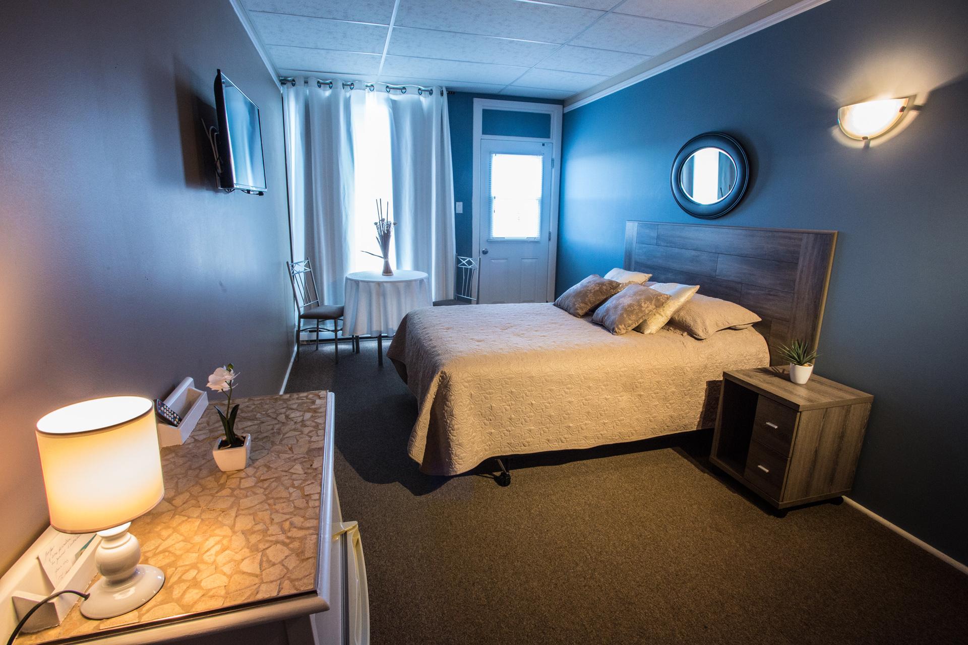 Chambre 1 lit 2 places motel nanook for Chambre 2 lits
